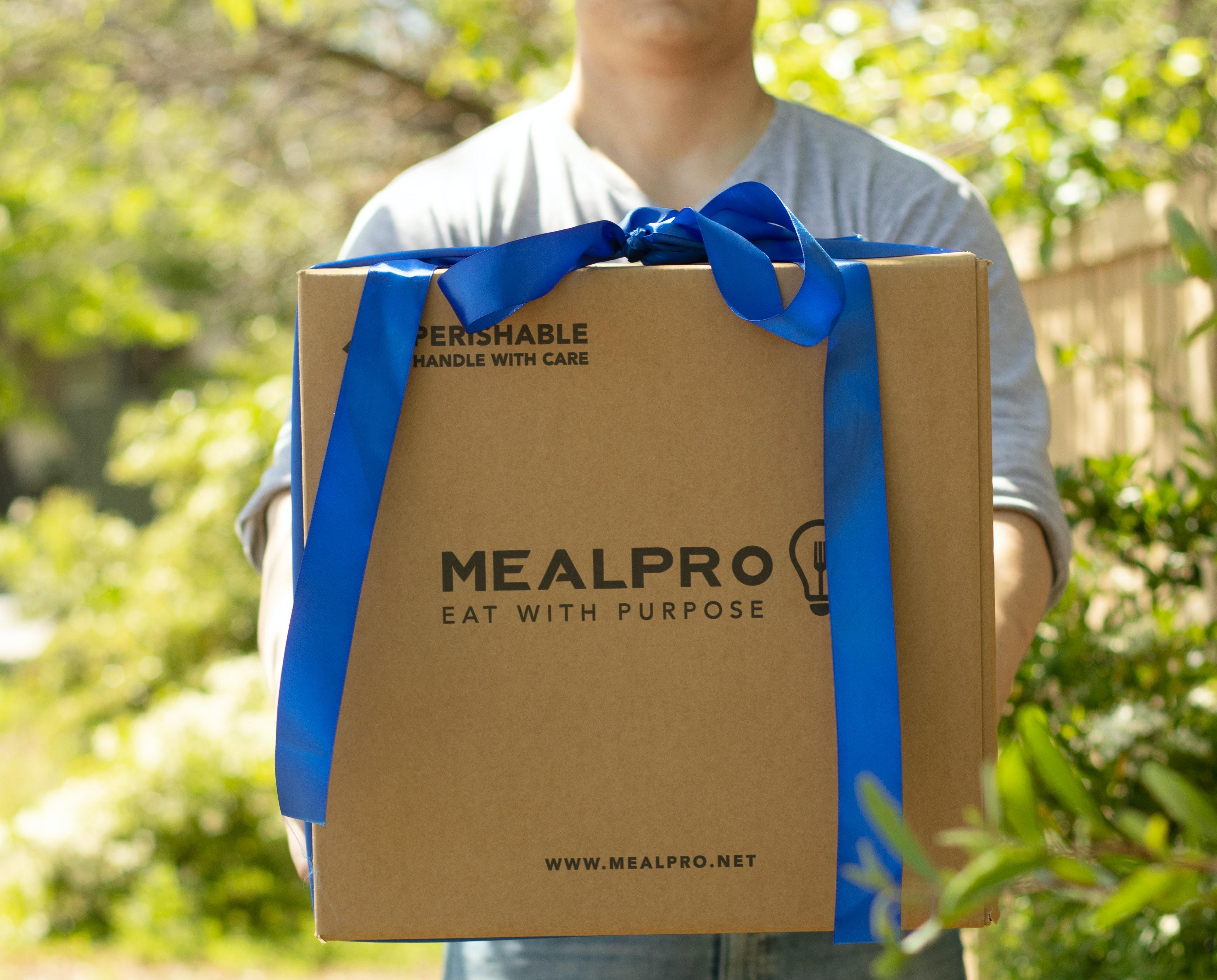Pakowanie paczek w sklepie internetowym – jak to zrobić?